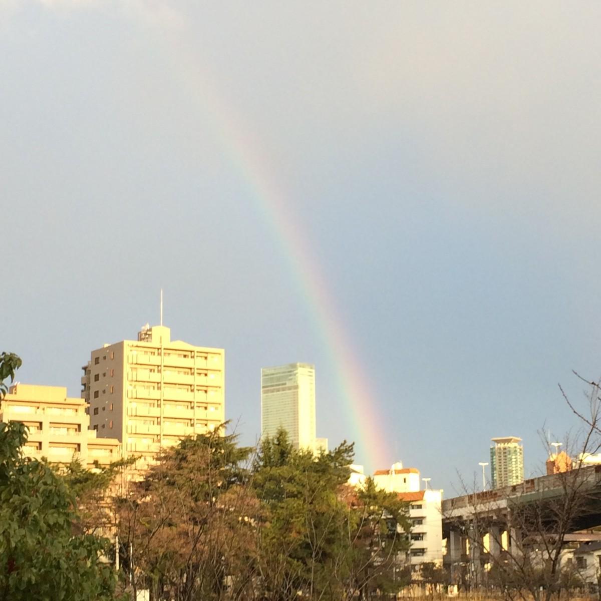 あべのハルカスと虹